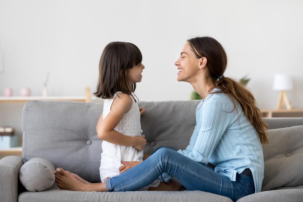 Kenali 5 Tahap Perkembangan Bahasa Anak Usia Dini yang Wajib Diketahui