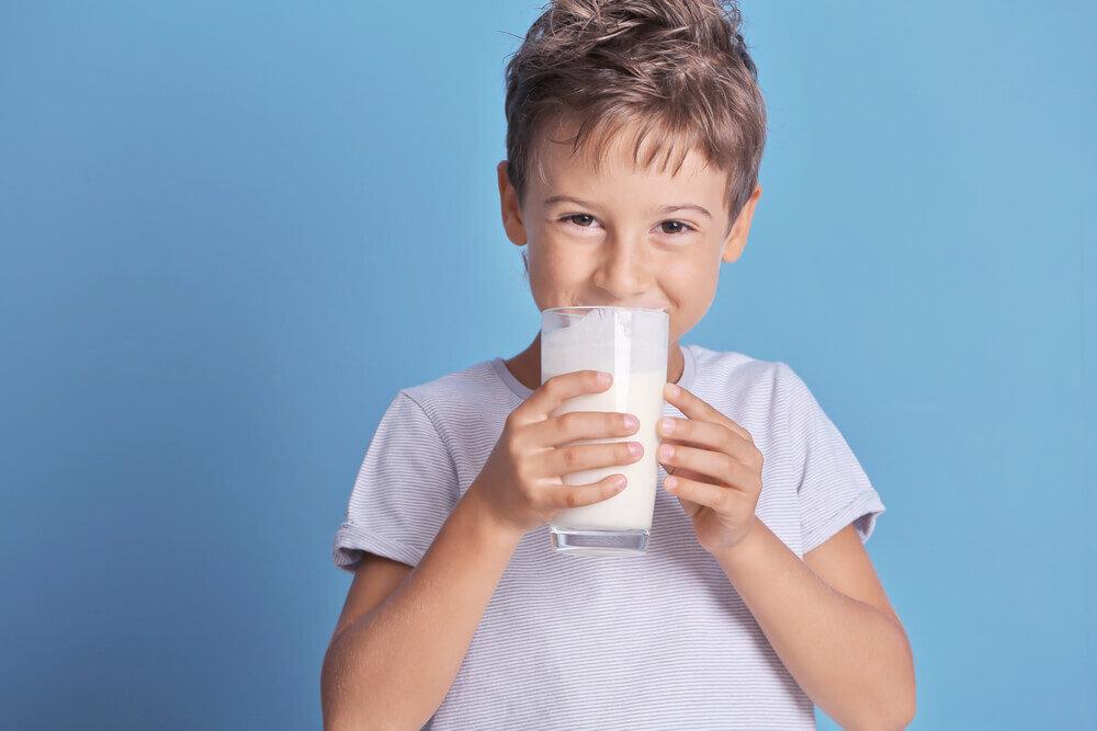 Tips Memilih Susu Formula yang Tepat untuk Anak
