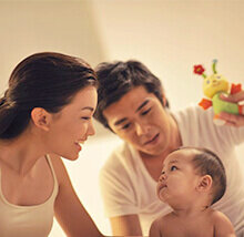 Libatkan Suami Ketika Ibu Menyusui Si Kecil